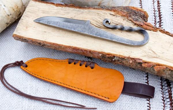Кованый витой нож №2.2
