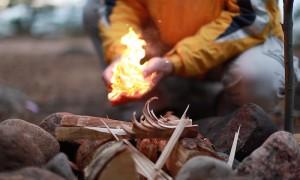 Как разжечь огонь без спичек